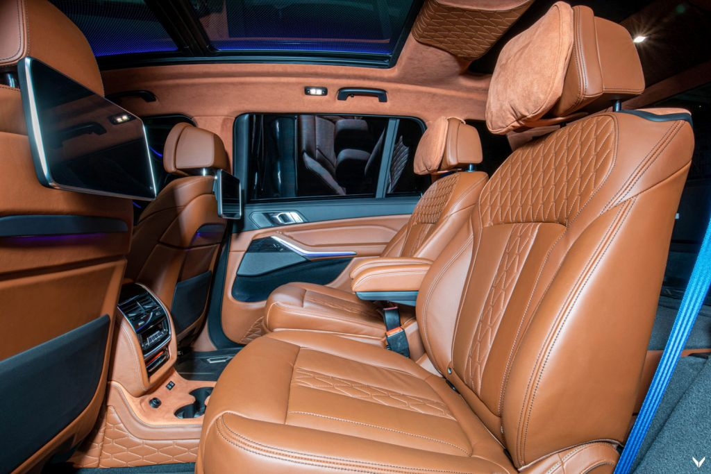 The rear interior of the Vilner BMW X7 M50d