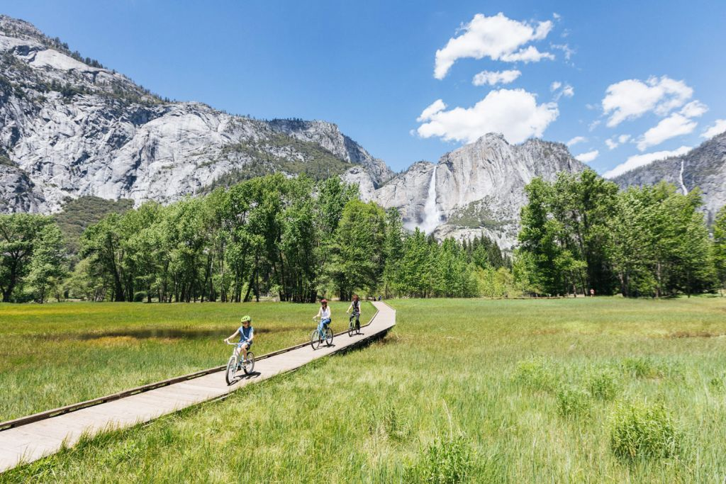 Cycling in Yosemite, Mariposa County in Northen California.