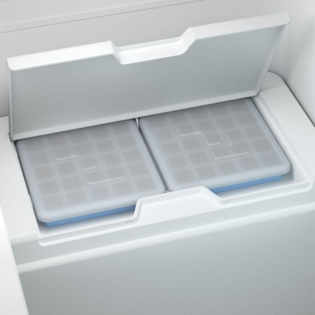 Dometic CFX3 Cooler has a world first, an icemaker!