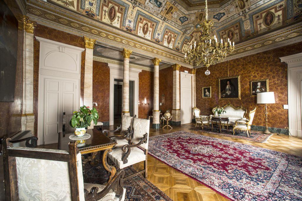 Guest lounge at Grand Hotel Villa Serbelloni