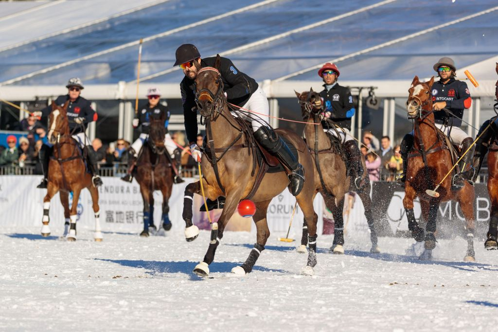 Intocast vs bendura Bank at the 18th Bendura Bank Snow Polo World Cup Kitzbühel 2020