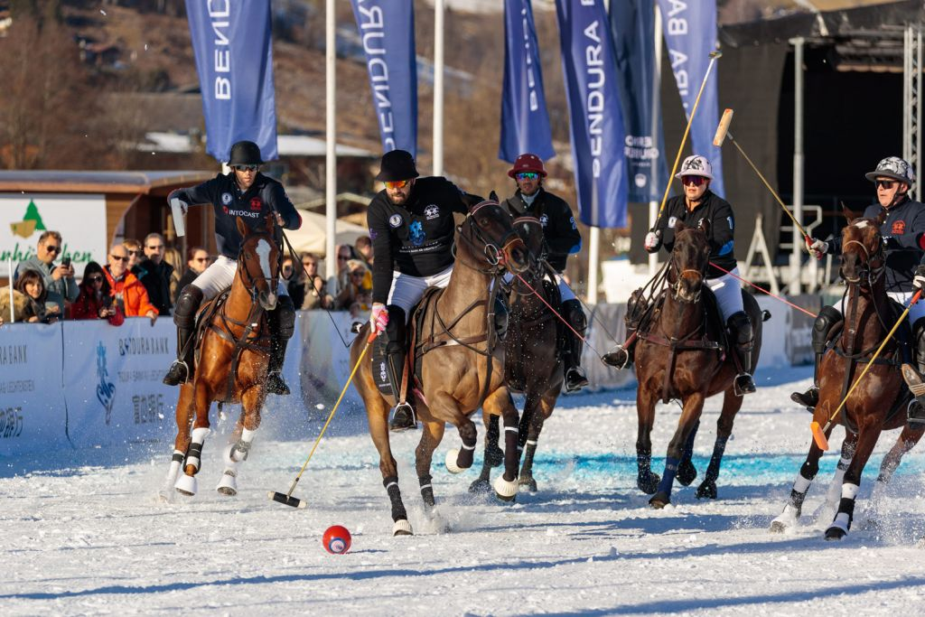 Intocast and bendura Bank at the Snow Polo World Cup Kitzbühel 2020