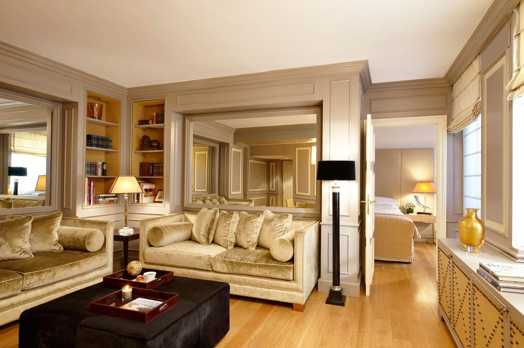Living Room apartment at the Starhotels Collezione Castille Hotel in Paris