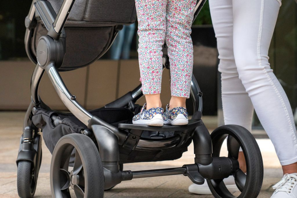 iCandy Peach Ride-on Board Make Transporting Babies and Toddlers Easy