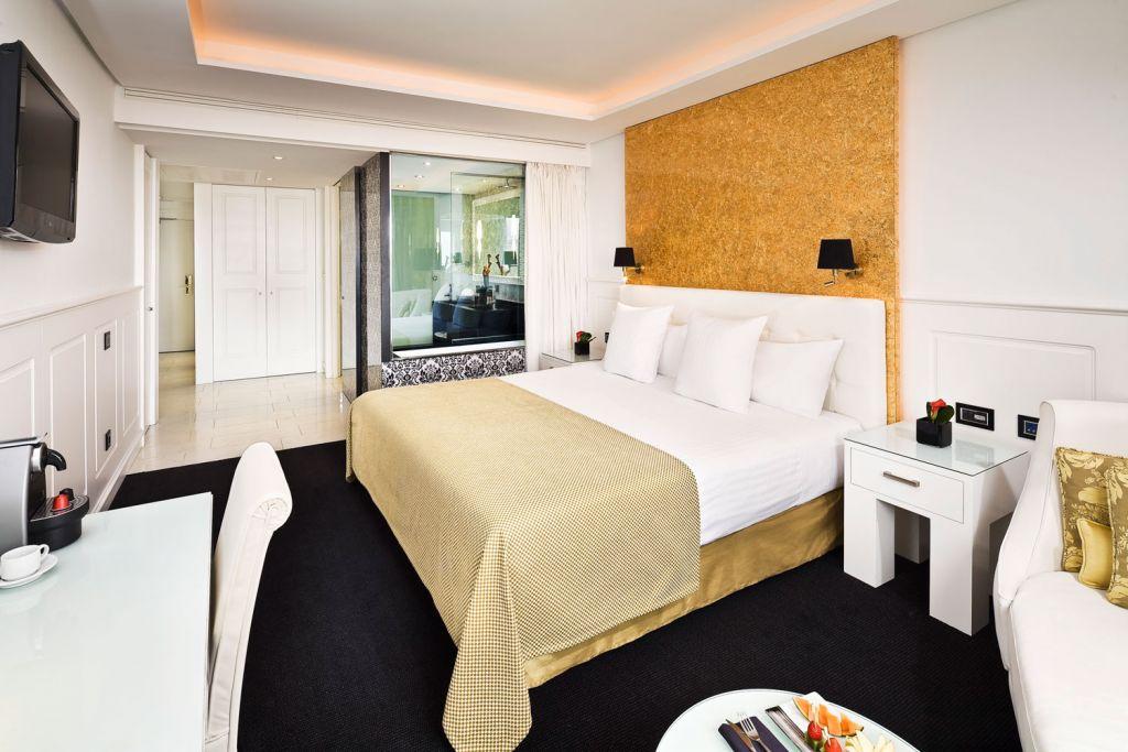 Bedroom suite at the Hotel Colón Gran Meliá in Seville