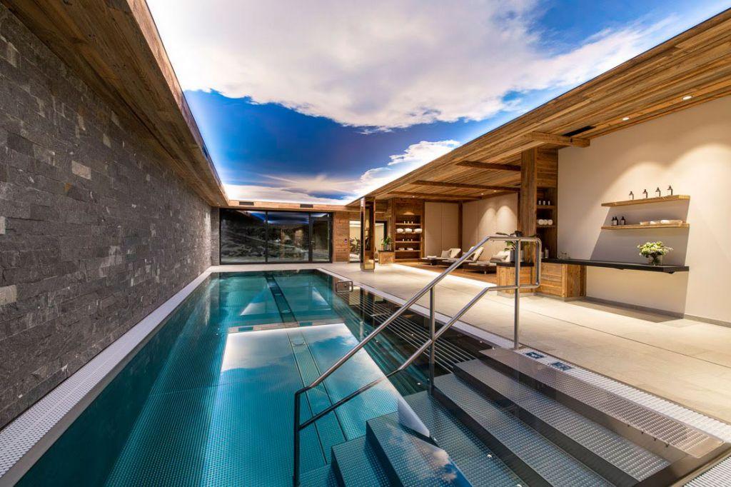 The Bramble Ski luxury chalets swimming pool