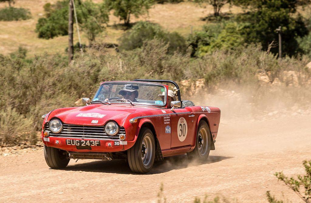 Competitors in the Rally the Globe Southern Cross Safari