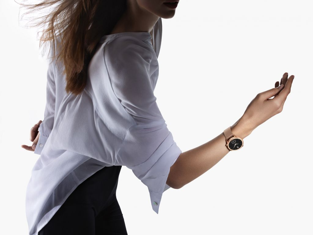 Dancing and exercising with the HONOR MagicWatch 2