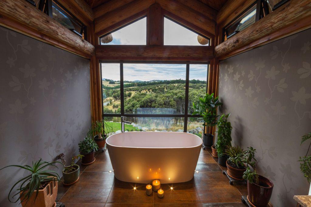 En-suite bathroom at Fiordland Lodge in New Zealand