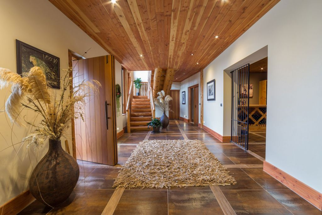 Inside Fiordland Lodge in New Zealand