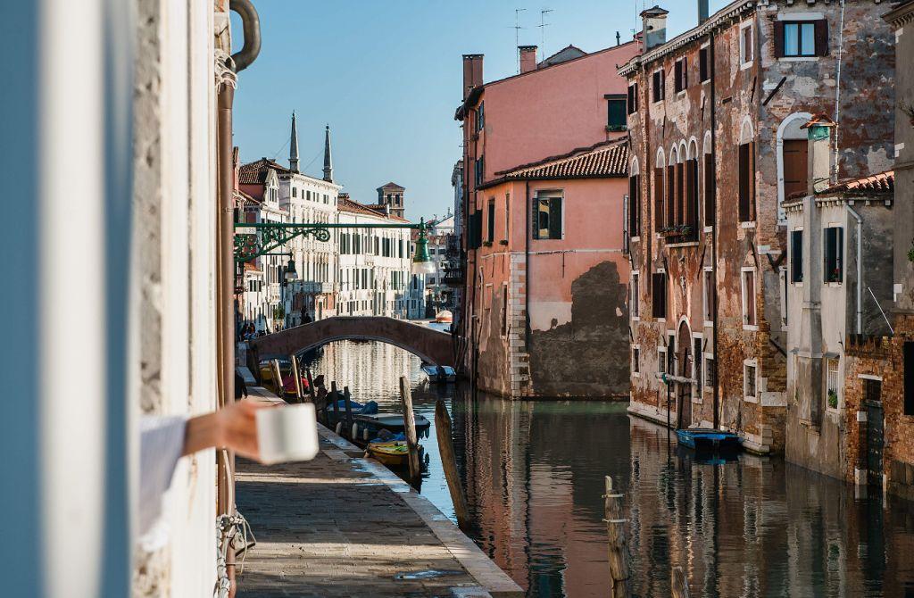 Grand Hotel dei Dogi Venice canal walk