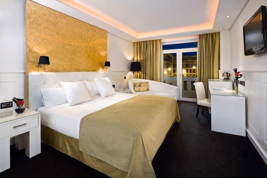 Premium room at the Hotel Colón Gran Meliá In Seville