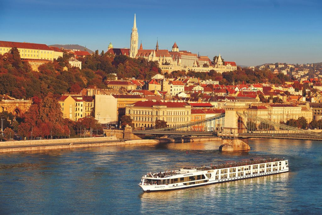 Scenic river cruise in Budapest