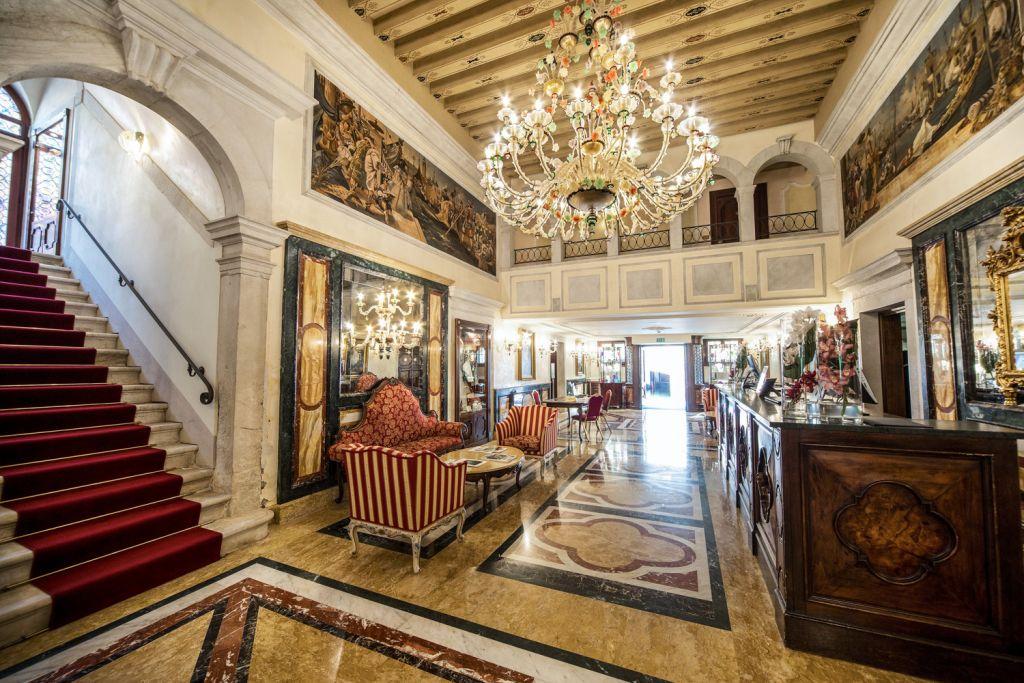 The lobby in the Grand Hotel dei Dogi in Venice