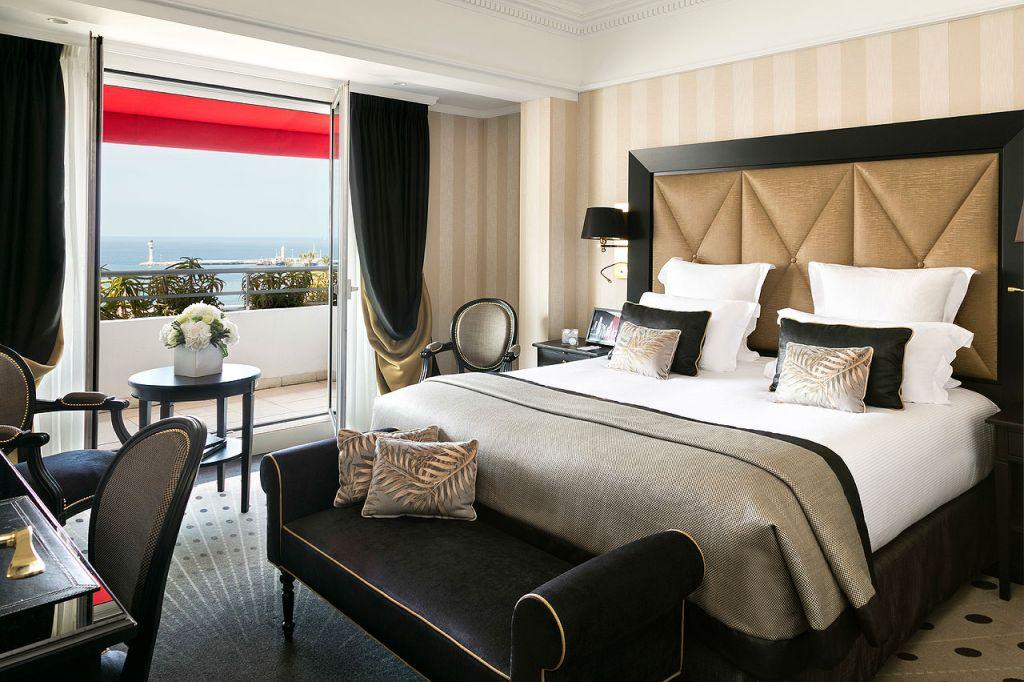 Hôtel Barrière Le Majestic Cannes balcony room