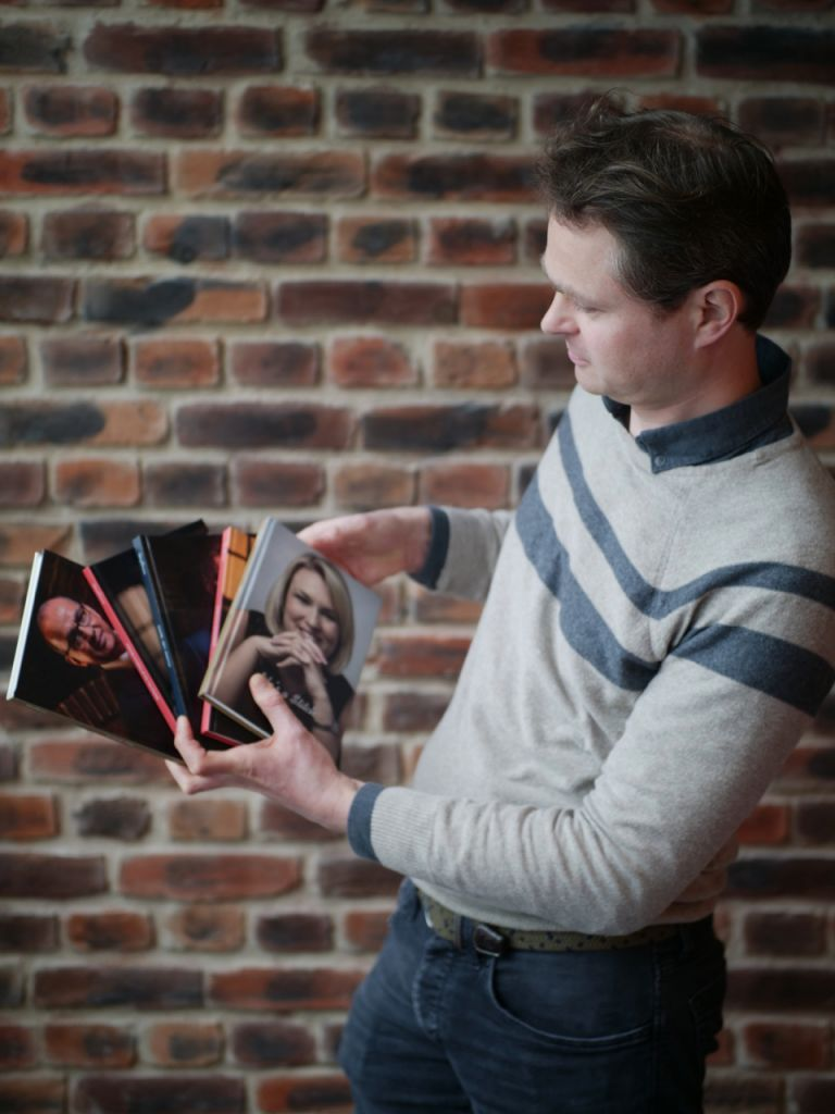 Rutger Bruining with the Dragons' Den autobiographies