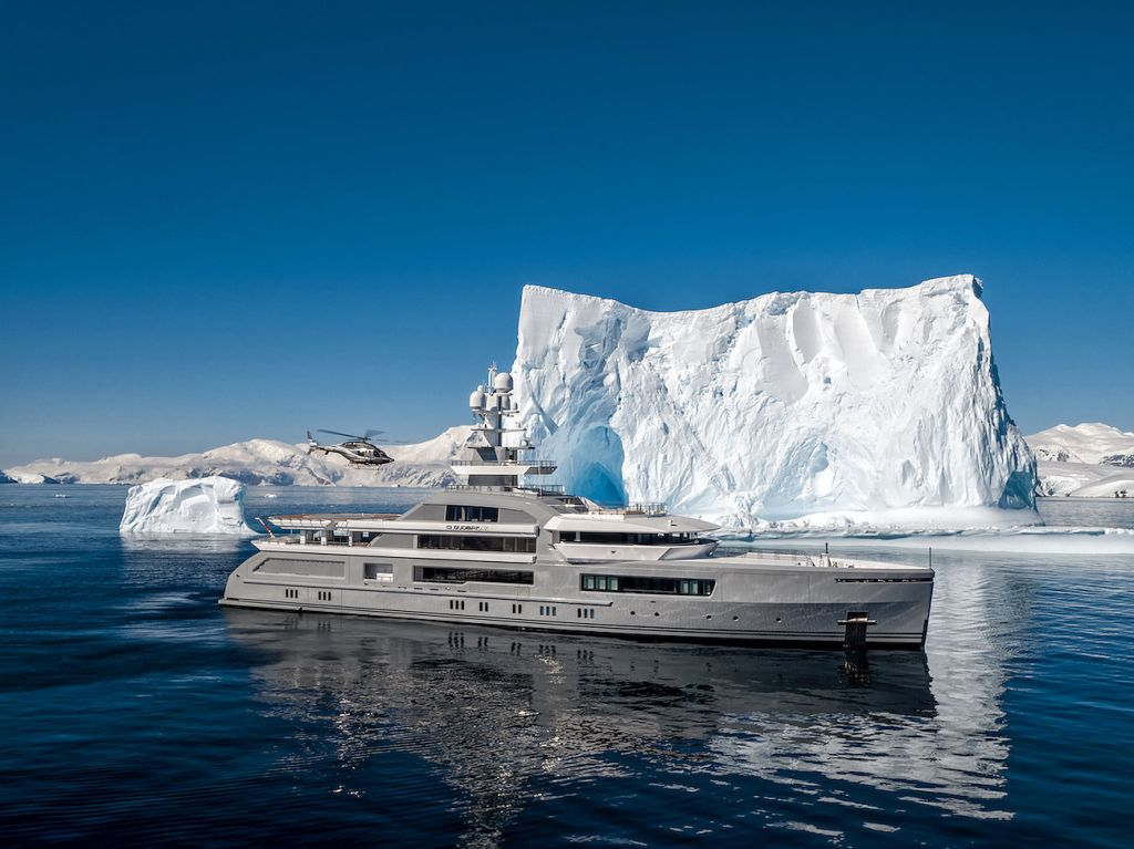 Cloudbreak superyacht