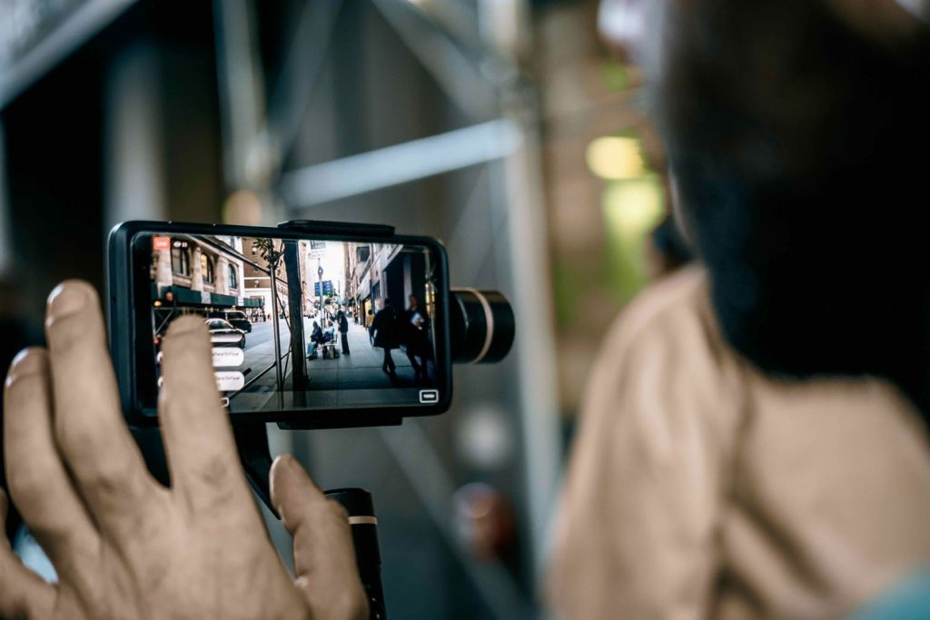 Top Tips to Help You To Make a Film Using Just a Smartphone