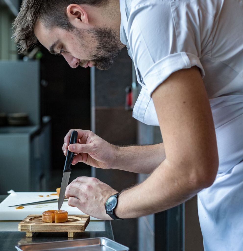 Roganic Introduces New Baking Workshop led by Oli Marlow