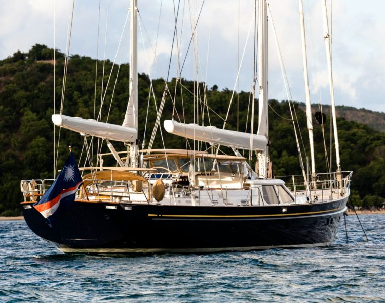 112-Foot Sailing Yacht BLUE TOO Gets $1,050,000 Price Reduction