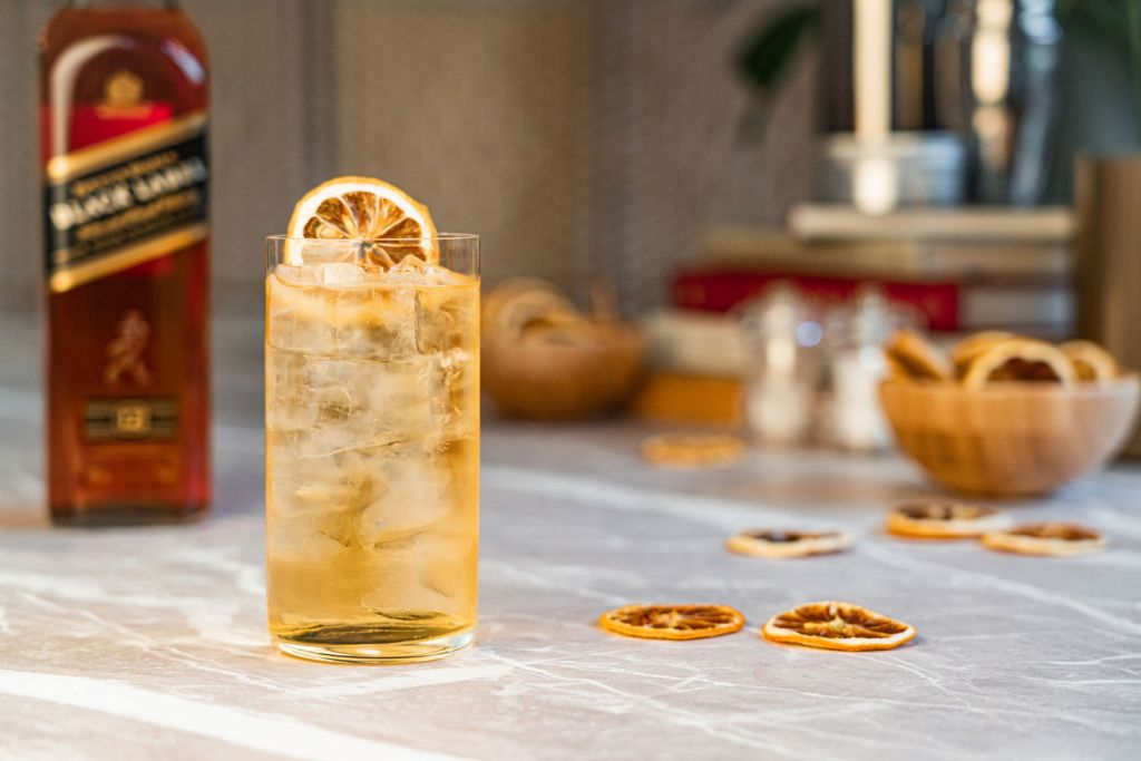 Cocktail Porter Introduces Premium Cocktail Kits Direct to Your Door 7