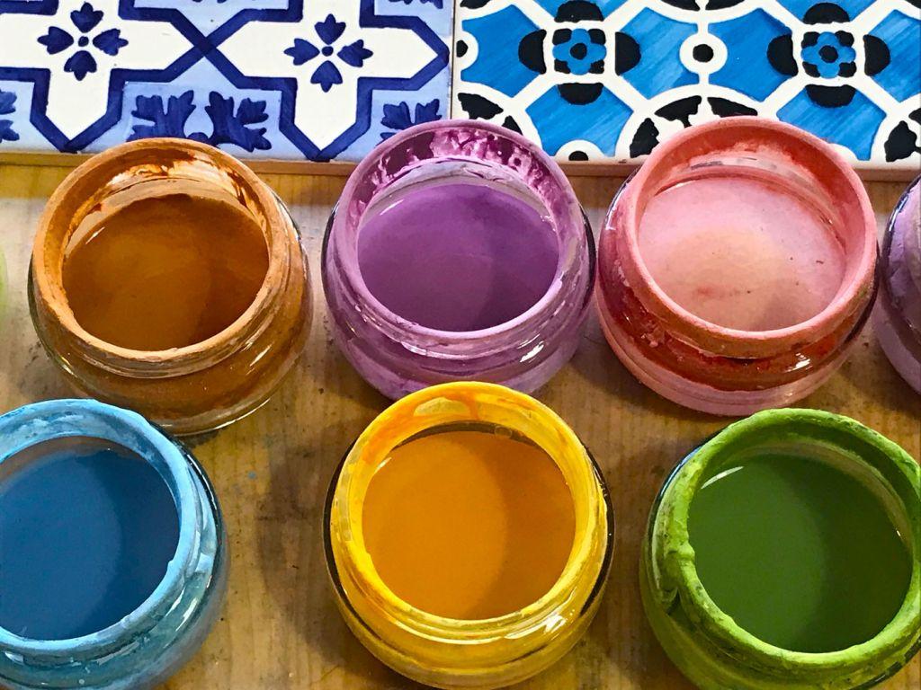 Hand-painting Azulejo tiles in Porto