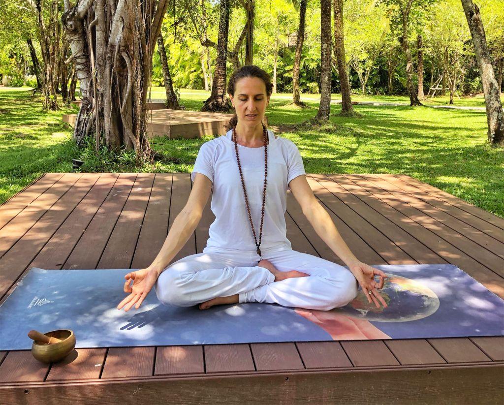 Justine virtual Meditation class at The Sarojin Thailand