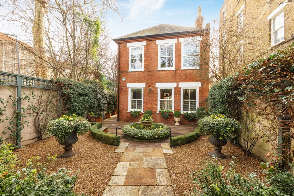 South-West London Property Market Shows Signs of Recovery