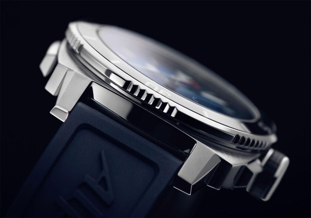 Alpina Seastrong Diver Comtesse Quartz side profile