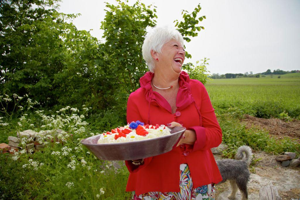 Strawberries and Cream Swedish Midsummer
