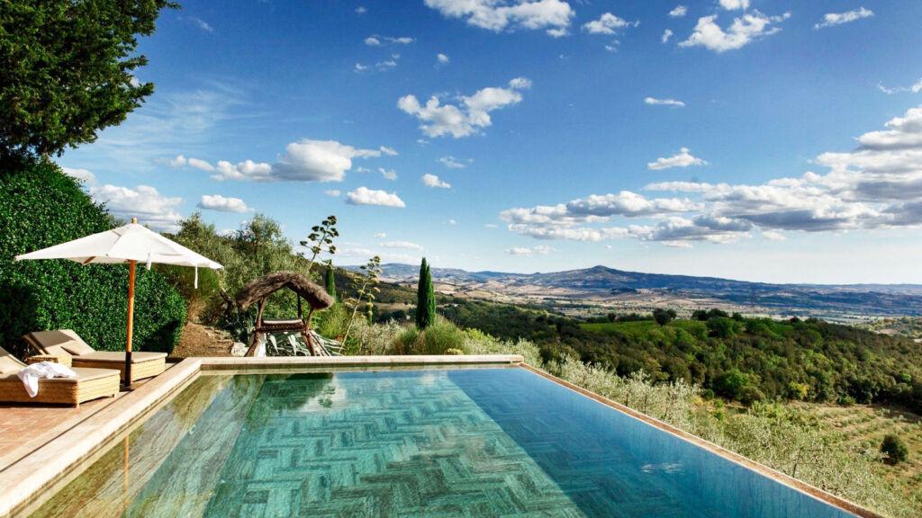 Castello di Vicarello swimming pool