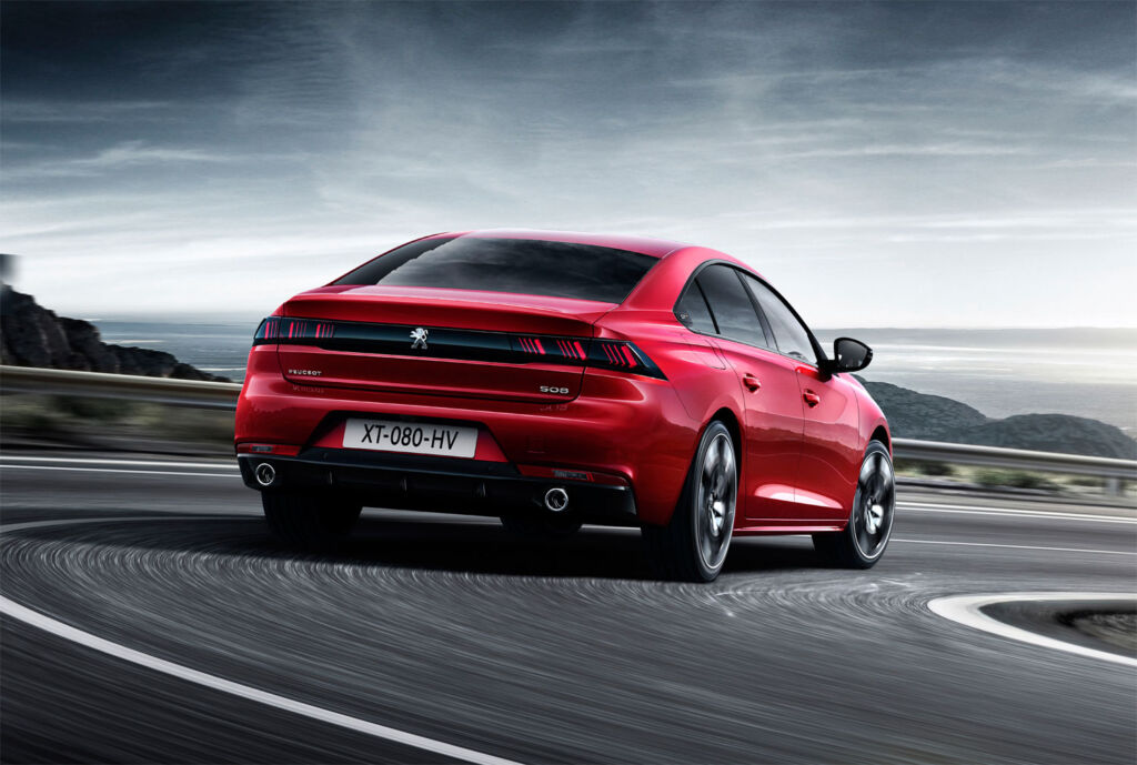 Luxurious Magazine Road Test: The PEUGEOT 508 HYBRID GT Fastback 13