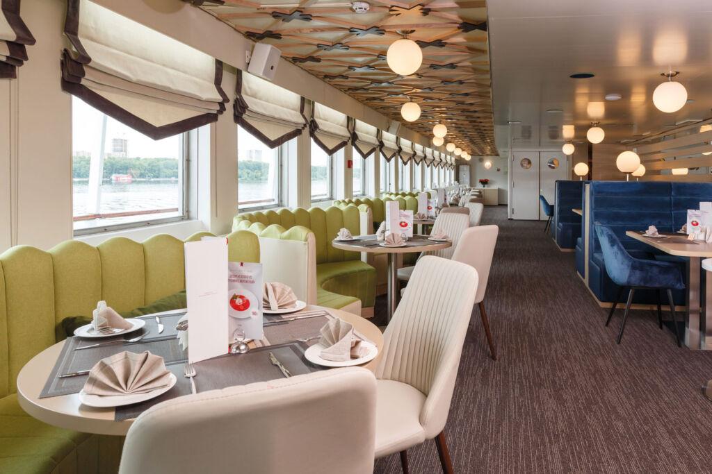 MS Nizhny Novgorod Volga Restaurant