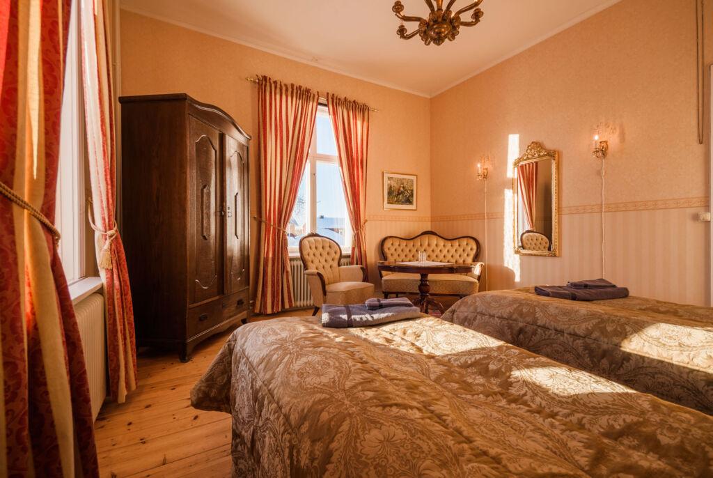 Melderstin Manor twin room