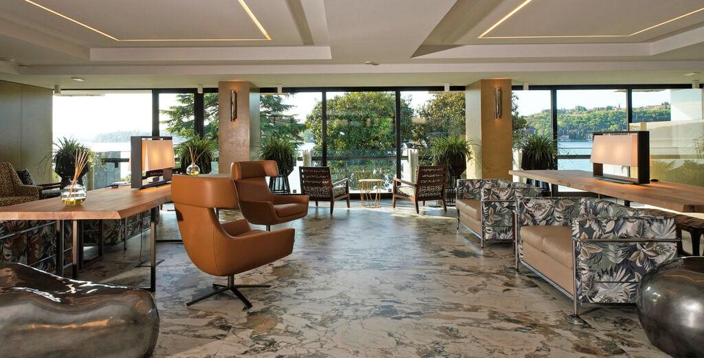 New reception area at Hotel Salò du Parc