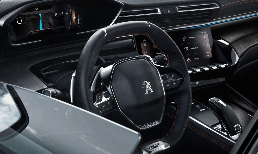 PEUGEOT 508 HYBRID GT Fastback touchscreen