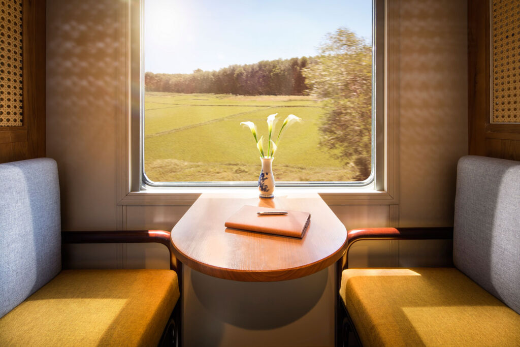 Private booth in the luxury carriage
