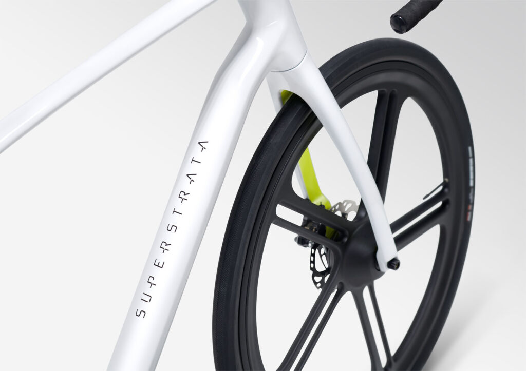 Superstrata 3D Printed Carbon Fibre bike frame and wheel