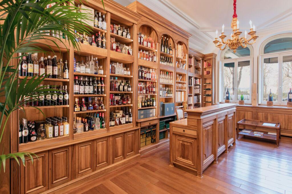 La Cave du Château wine boutique
