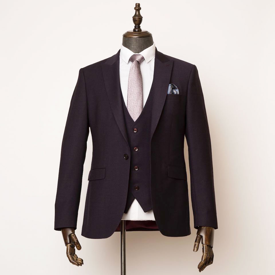 Aristocracy London Suit on a tailors dummy
