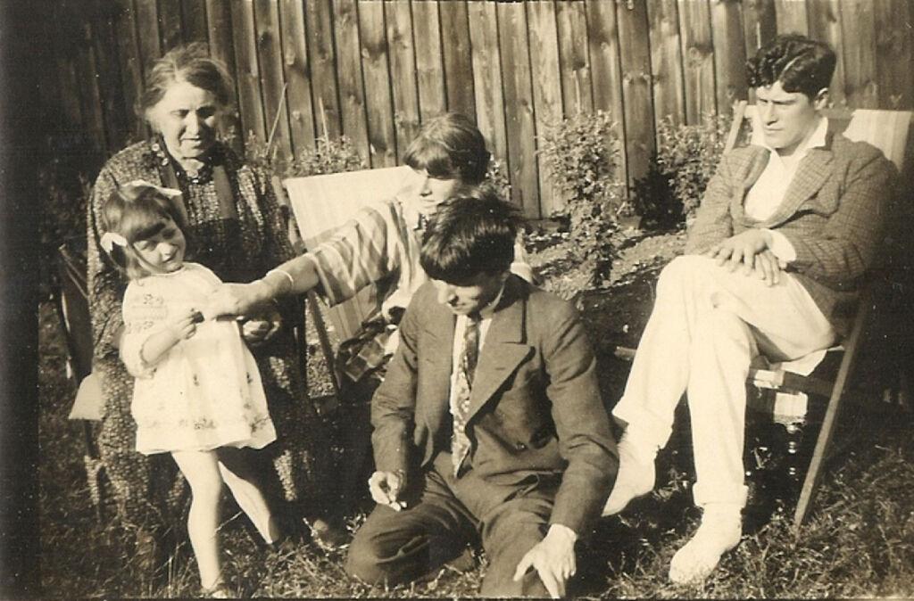 From left – Mrs Carline, Shirin Spencer, Hilda Carline, Stanley Spencer, and Richard Carline, 1929.