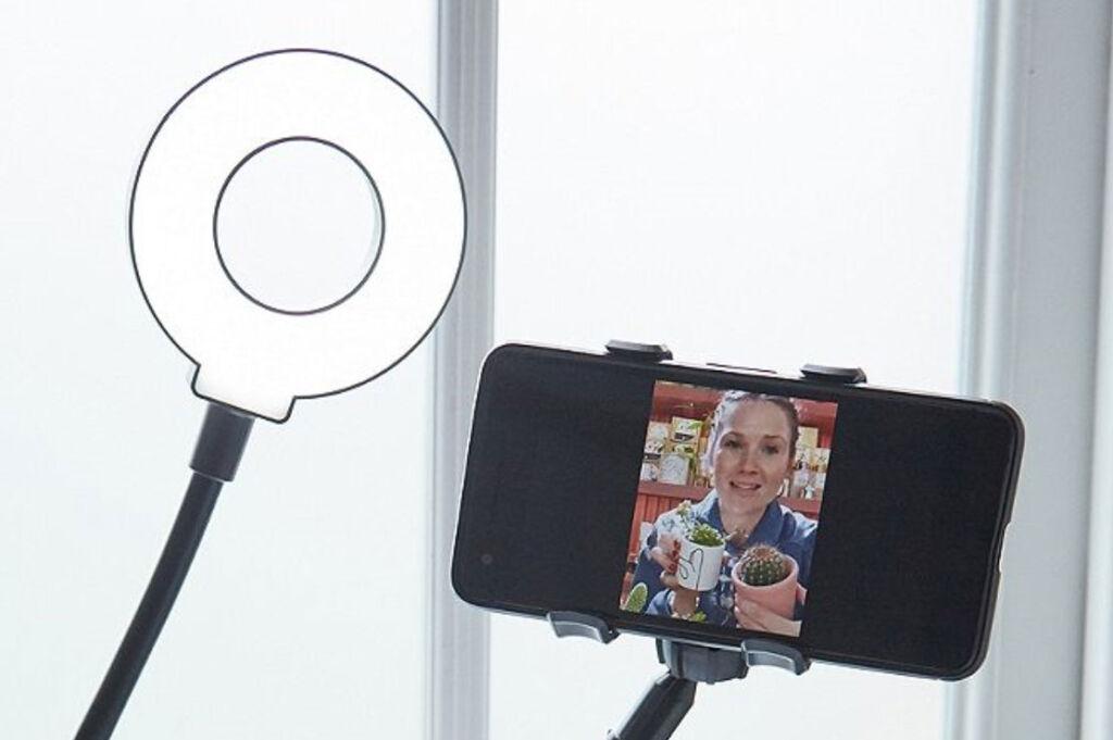 Kikkerland Live Streaming Kit LED light