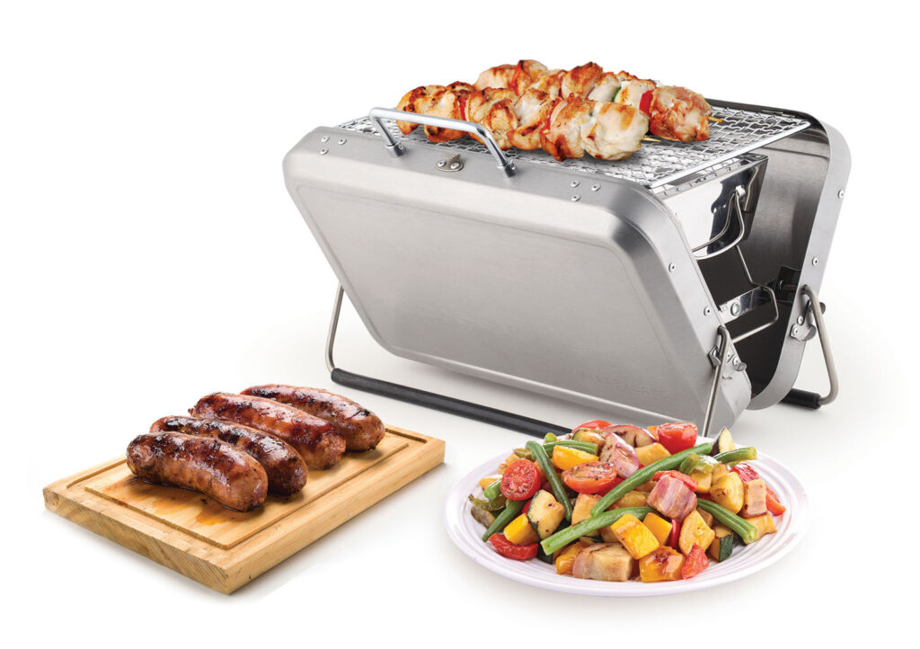 Kikkerland Suitcase BBQ in silver