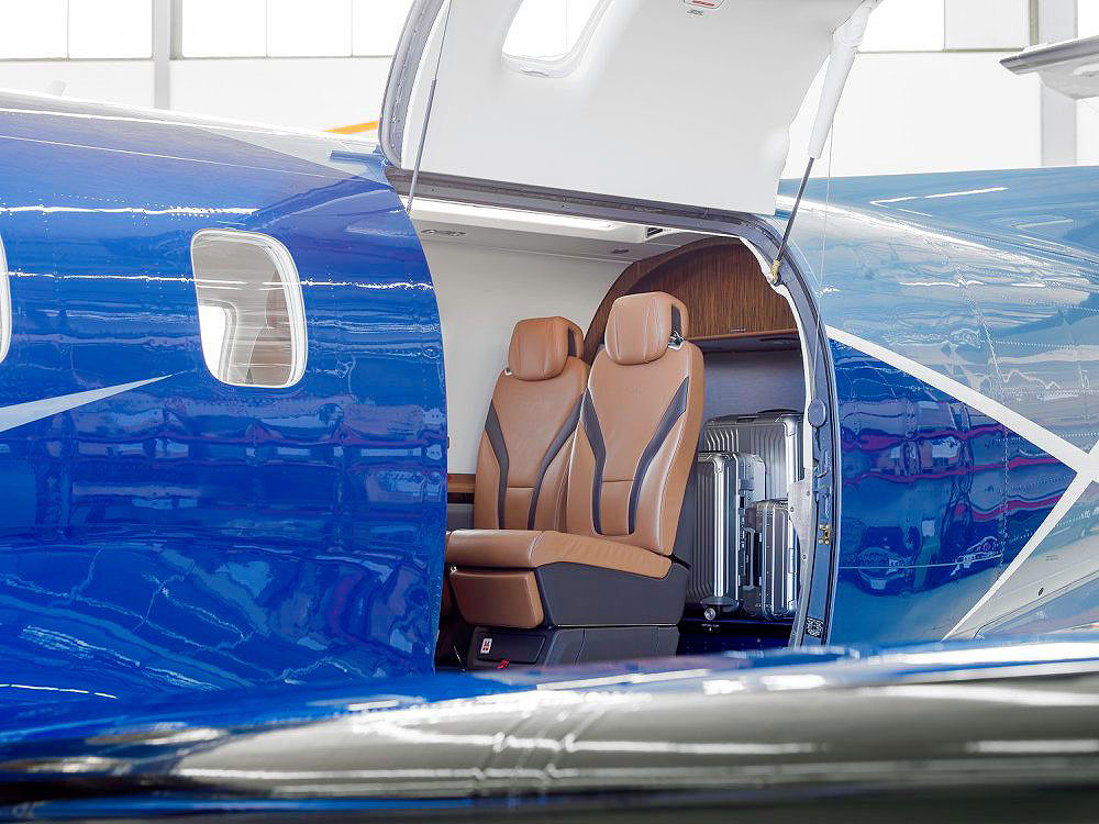 Oriens Pilatus PC-12 NGX interior seating