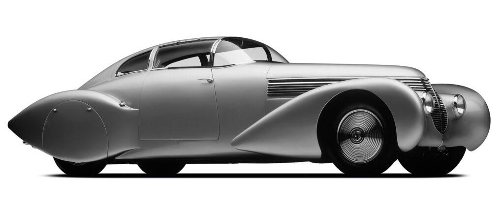 Side profile of 1938 Hispano Suiza Dubonnet Xenia