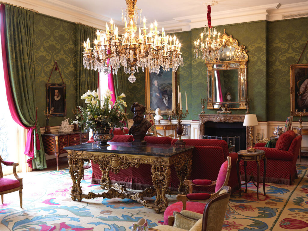 The Salon in Le Clarence Restaurant