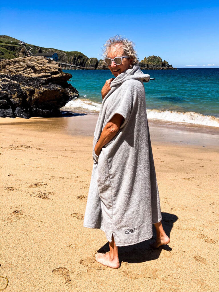 Woman wearing a MOXSE WAVES towel