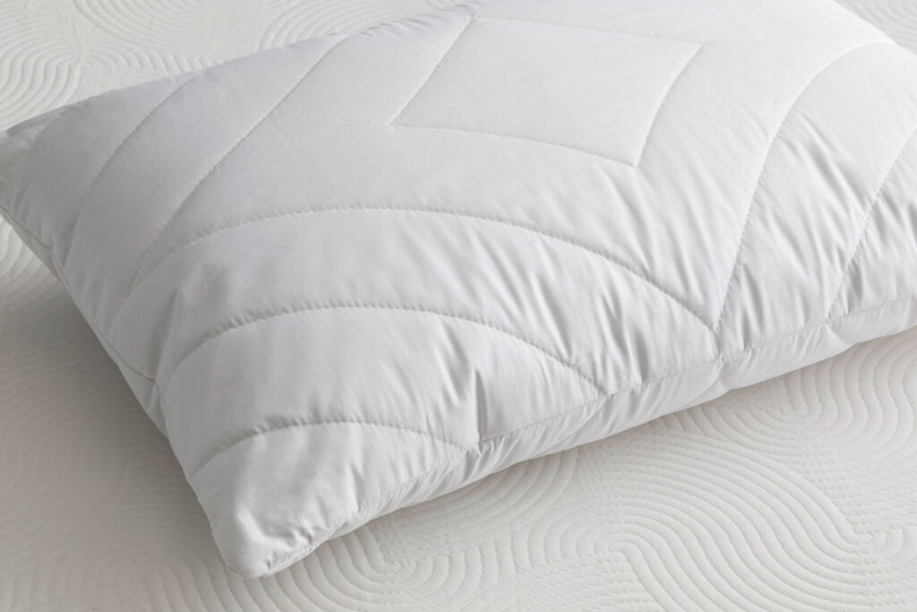 Brook + Wilde Everdene Cooling pillow without pillow case