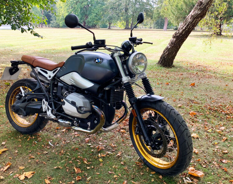 BMW's Old School R nineT Scrambler Moves Retro up a Notch