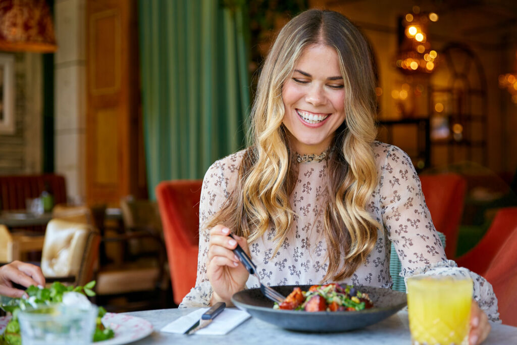 Madeleine Shaw at Bill's Restaurant & Bar
